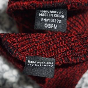 Accessories - NWOT Black Red Beanie